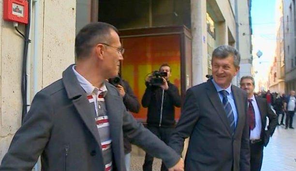 Kujundžić se rukovao s Livakovićem pa se pravio da ga ne pozna